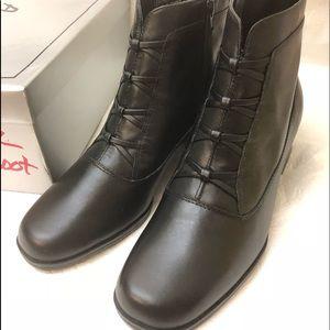 Ladies accents BA Dress Boot SIBELE Leather sz 7